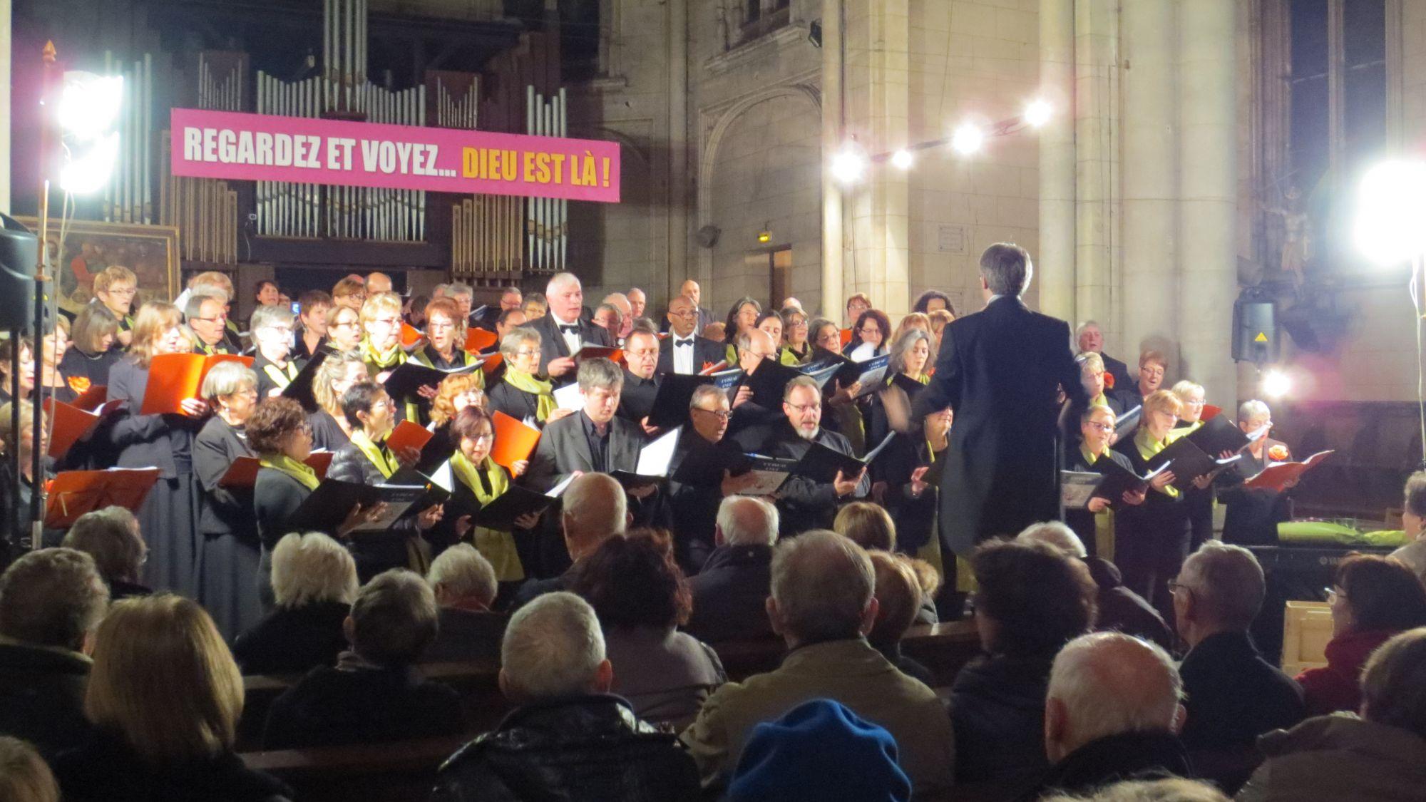 """""""Hallelujah de Haendel chanté par les 2 chœurs"""
