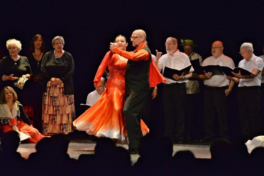 """Alain et Nadine Deschamps dansent sur le tango argentin """"La Tantina de Burgos"""""""