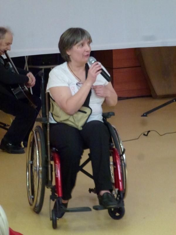 Annie RENAU présente le programme